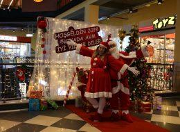 Dekoratif Ürünlerle Süsleme ve Noel Baba Hediye Servisi
