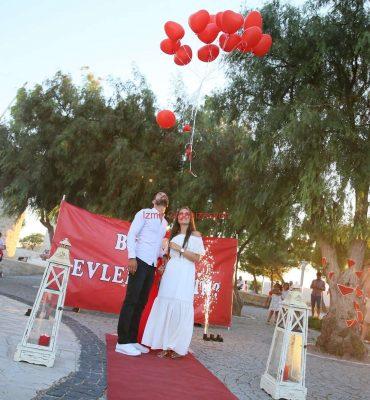 Alaçatı Değirmenler'de Evlilik Teklifi Organizasyonu