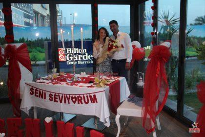 restoran susleme surpriz evlilik teklifi