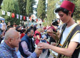 Geleneksel Kostümlü Limonatacı Kiralama İzmir