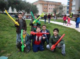 Eğitim Kurumları Yıl Dönümü Etkinlikleri Sosis Balon ve Balon Katlama