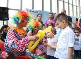 Sosis Balon Katlama ve Palyaço Eşliğinde Eğlenceli Açılış Organizasyonu İzmir