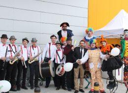 Bando Takımı Hizmeti Tahta Bacak Gösterisi