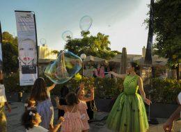 Balon Köpüğü Gösterisi