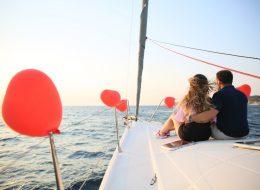 Çeşme Körfez Turu ve Teknede Evlilik Teklifi Organizasyonu