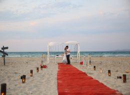 Plajda evlilik teklifi organizasyonu Sürpriz evlenme teklifi organizasyonu