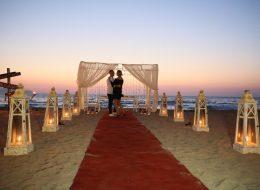Kuşadası kumsalda Evlilik Teklifi Organizasyonu