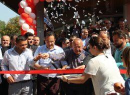 Kurdele Kesme Töreni ve Gazlı Konfeti Atımları İzmir