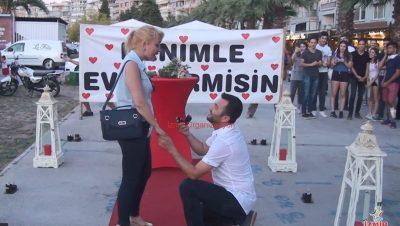 Surpriz Evlilik Teklifi Organizasyonu Bistro Masa Yer Volkanı Denizci Fenerleri