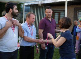 Oyunda Başarılı Olan Yarışmacılara Madalya Ödülü