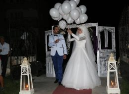 Uçan Balonların Gökyüzüne Bırakıldığı An İzmir Düğün Organizasyonu