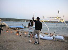 Dans Anı ve Minder Dekorla Romantik Evlilik Teklifi Organizasyonu