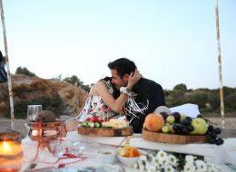 Sahilde Evlilik Teklifi Organizasyonu Dekoratif Ürünlerle Süsleme