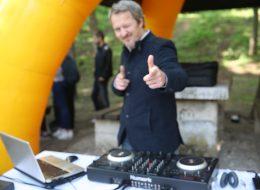 YDS Academy Piknik Organizasyonu Profesyonel DJ Performansı İzmir Organizasyon