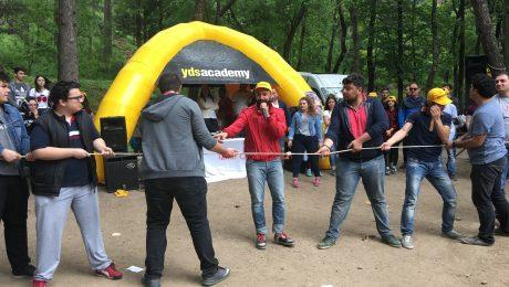 YDS Academy Piknik Organizasyonu Halat Çekme Oyunları İzmir Organizasyon
