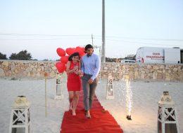 Giriş Yolu ve Kırmızı Halıda Evlenme Teklifi Organizasyonu