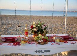 Masa Süsleme Detayları Kumsalda Evlilik Teklifi Organizasyonu
