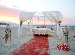 Kutu Güller ile Sahilde Romantik Evlilik Teklifi Organizasyonu