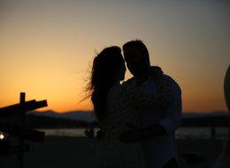 Gün Batımında Sahilde Romantik Evlilik Teklifi Organizasyonu