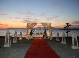 Kumsalda Evlilik Teklifi Organizasyonu Denizci Fenerleri Temini