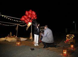 Sahilde Minder Dekor ile Evlilik Teklifi Organizasyonu