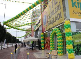 Kapı Takı ve Üçgen Bayrak Süsleme İzmir Açılış Organizasyonu