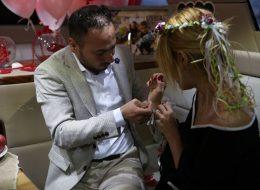 Palyaço Servisi ve Havai Fişek Eşliğinde Teknede Evlilik Teklifi Organizasyonu