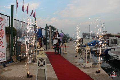 Pazarlar Havai Fişek Gösterisi Pazarlar Yer Volkanı Pazarlar Işıklı Uçan Balon Hizmeti İzmir Organizasyon