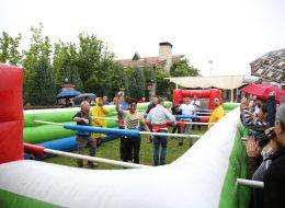 Canlı Langırt Oyun Parkurunda Rekabet Anları Şirket Piknik Organizasyonu İzmir
