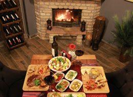 Şömine Başında Romantik Akşam Yemeği Organizasyonu