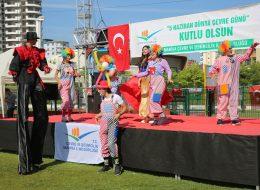 İzmir Tahta Bacak Gösterileri Palyaço Servisi