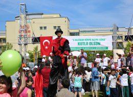 Şenlik Organizasyonu Tahta Bacaklı Adam Gösterisi