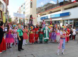 İzmir Tahta Bacaklı Adam Gösterisi Servisi