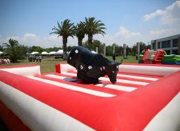 Rodeo Oyun Parkuru Kiralama ve Şişme Yetişkin Oyuncakları Temini İzmir Organizasyon