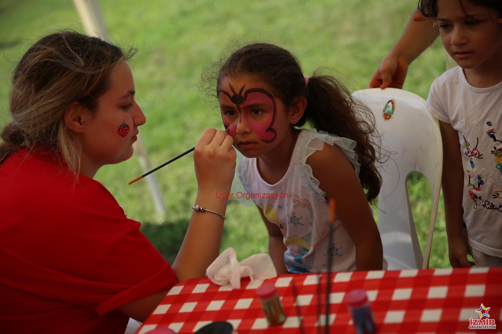 Yüz Boyama Etkinliği Ve Kelebek Yüz Boyama Izmir Izmir Organizasyon