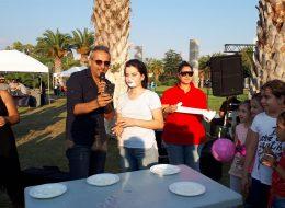 Sunucu Mc Show Eşliğinde Yoğurt Yeme Yarışması İzmir