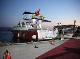 Denizci Fenerleri Yer Volkanları ve Kırmızı Halıyla Yürüyüş Yolu ve Tekne Süsleme İzmir