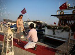 Yer Volkanları Eşliğinde Sürpriz Evlenme Teklifi Organizasyonu İzmir