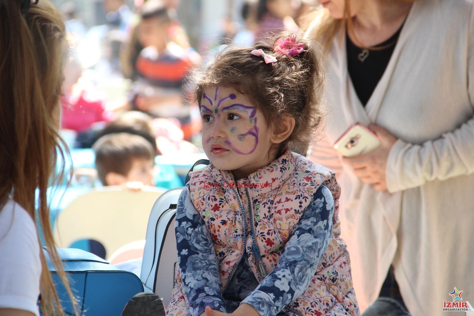 Yüz Boyama Izmir çocuk Yüz Boyama Etkinliği Ve Hizmeti